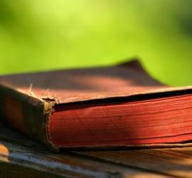 old-book-1426980_väiksem2